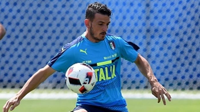 Alessandro Florenzi, Pesaing Calabria di AC Milan, Pujian Pique dan Pelajaran Stefano Pioli