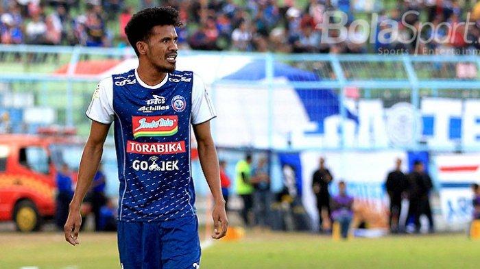 Tak Masuk Skema Mario Gomez, Bek Sayap Arema FC Alfin Tuasalamony Dikabarkan Dipinjam Madura United