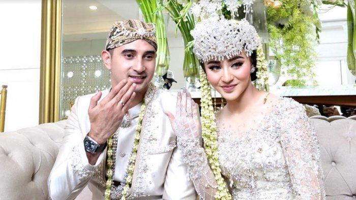 Ali Syakieb dan Margin Wieheerm melangsungkan pernikahan di Bandung, Sabtu (6/2/2021).
