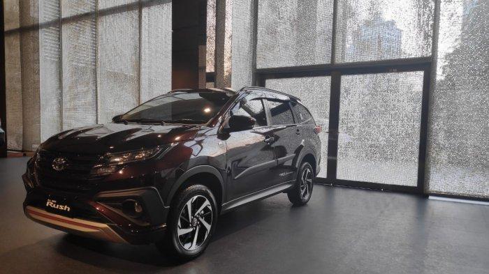 Toyota All New Rush di showroom Auto2000 Menara Astra, Sudirman, Selasa (16/7/2019).