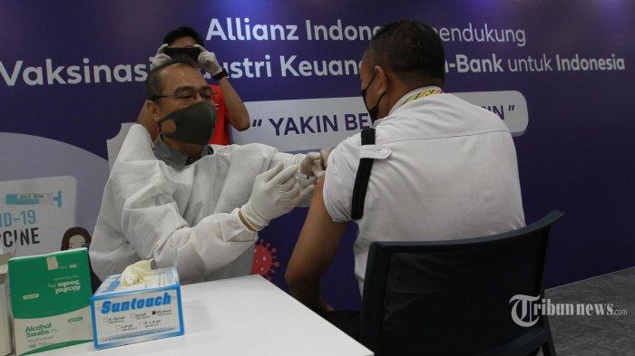Jokowi Ingatkan Pemerintah Daerah Agar Tidak Stok Vaksin Lebih dari 5 Persen