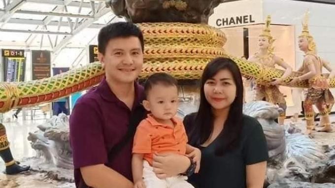Pose almarhum Copilot Sriwijaya Air Sj182 Diego Mamahit bersama keluarga.