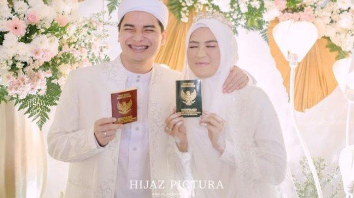 Alvin Faiz dan Henny Rahman resmi menikah pada Sabtu (14/8/2021).