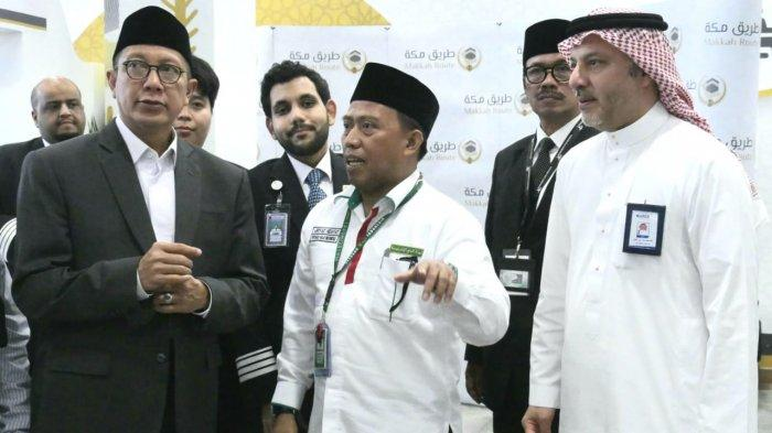 Amirul Haji Republik Indonesia, Lukman Hakim Saifuddin, tiba di Bandara King Abdul Aziz Jeddah, Selasa (30/7/2019). Lukman Hakim yang juga Menteri Agama langsung mengunjungi jemaah haji Indonesia begitu tiba di Bandara Jeddah.