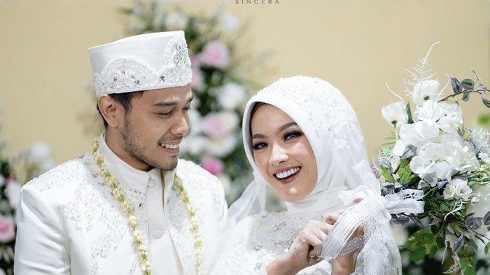 Ana Riana 'Rinjani TOP' Unggah Foto-foto Akad Nikahnya yang Sederhana:Tak Perlu Wah yang Penting Sah