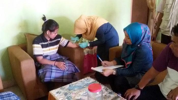 Kepulangan Anggota Eks Gafatar dari Bojonegoro Disambut Isak Tangis Keluarga