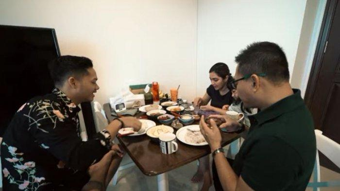 Anang Hermansyah dan Azriel putranya persiapan akan pergi ke Bali