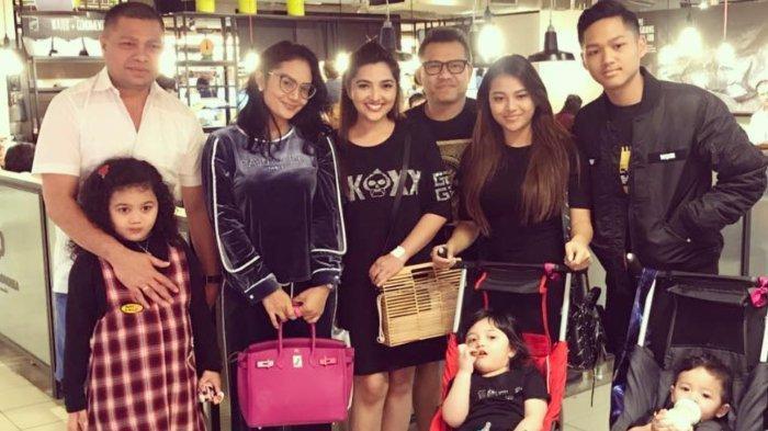 Pertemuan keluarga Krisdayanti Raul Lemos dan Anang Ashanty