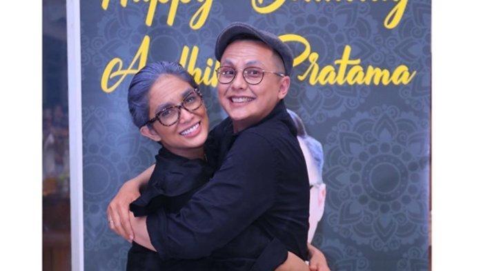 Andhika Pratama Rayakan Ulang Tahun ke-33, Berdandan Layaknya Kakek Nenek bareng Ussy Sulistiawaty