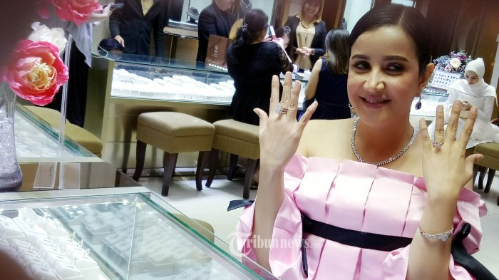 Andi Soraya di acara Endless Glamour.