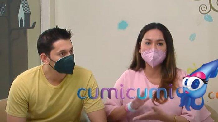 Andrew Andika dan Tengku Dewi Putri saat ditemui oleh awak media