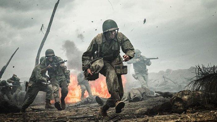 Andrew Garfield dalam film Hacksaw Ridge.