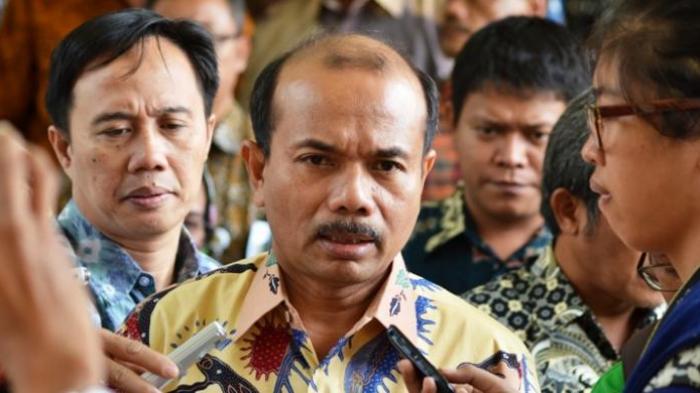 Menteri Menteri Perencanaan Pembangunan Nasional (PPN), Andrinof Chaniago, saat berkunjung ke Kantor Badan Informasi Geospasial (BIG), di Cibinong, Kabupaten Bogor, Rabu (12/11/2014).