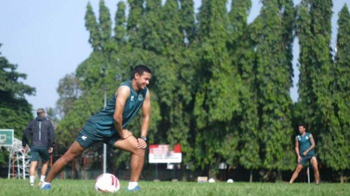 Andy Setyo Tetap Fokus Saat Kembali Berlatih Bersama Tim Persikabo 1973