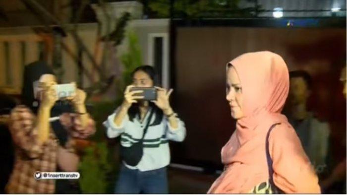 Unggah Foto Pasca Digerebek, Angel Lelga Merasa Beruntung Punya Keluarga yang 'Intelektualitas'