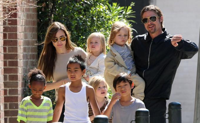 Punya 7 Anak Brad Pitt Dan Angelina Jolie Ingin Tambah Satu Lagi Tribunnews Com Mobile