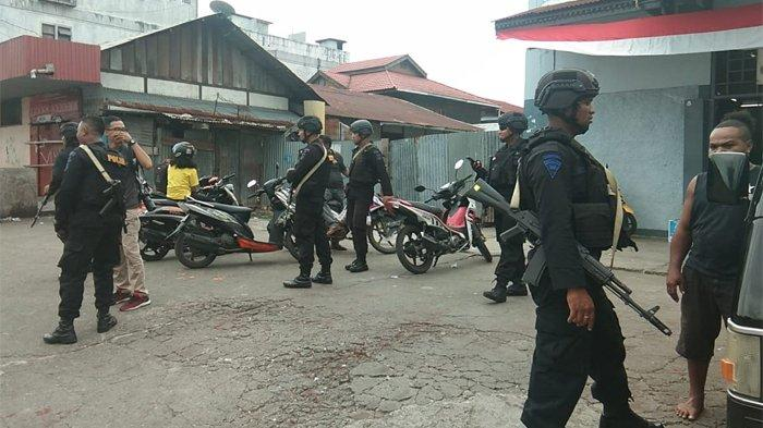 Ratusan anggota Brimob Polda Maluku hendak dikirim ke Manokwari untuk membantu pengamanan pasca kerusuhan, Jumat (23/8/2019). Tribun Timur/Fahrizal Syam