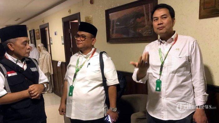 Anggota DPR RI Komisi VIII melakukan kunjungan dan berbincang dengan Jamaah Haji Indonesia Makkah, Arab Saudi, Senin (5/8/2019). Anggota Dewan tersebut melakukan kontrol terkait pelaksanaan Haji 2019. TRIBUNNEWS/HUSEIN SANUSI/MCH2019