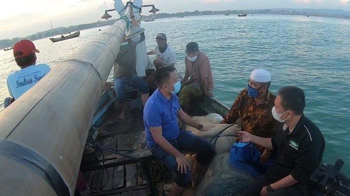 Slamet Ariyadi Berjanji Akan Penuhi Kebutuhan Nelayan di Sampang Madura