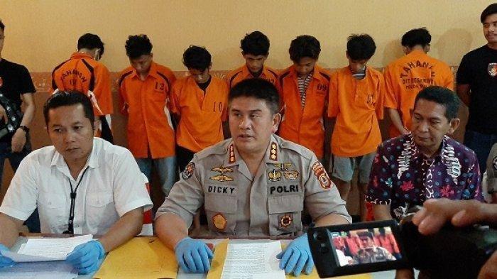 Ditreskrimum Polda Sulsel rilis kasus kelompok geng motor yang menyerang 5 warga di Biringkanaya, Makassar. Tribun Parepare/Darullah