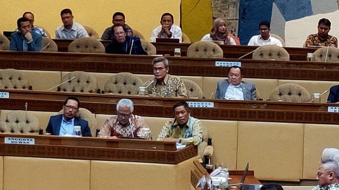 Johan Budi Cukup Aktif Nyalakan Mikrofon Saat RDP Komisi II DPR Dengan KPU, Bawaslu, dan Kemendagri