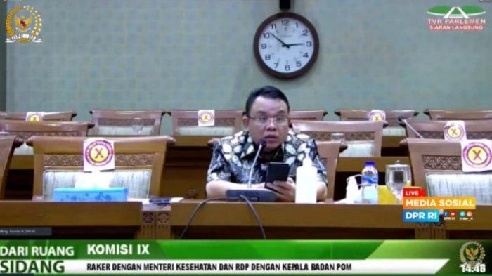 anggota komisi ix dpr dari fraksi pan saleh partaonan daulay saat raker dengan menteri kesehatan ri