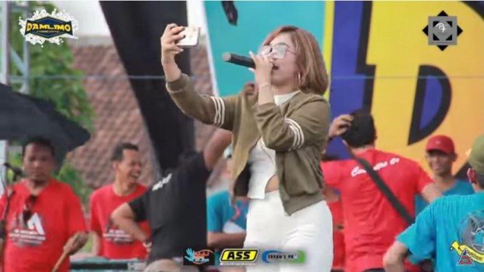 Lirik Lagu Bunga - Thomas Arya, Lagu yang Baru Hits karena 'Tarik Sis Semongko'