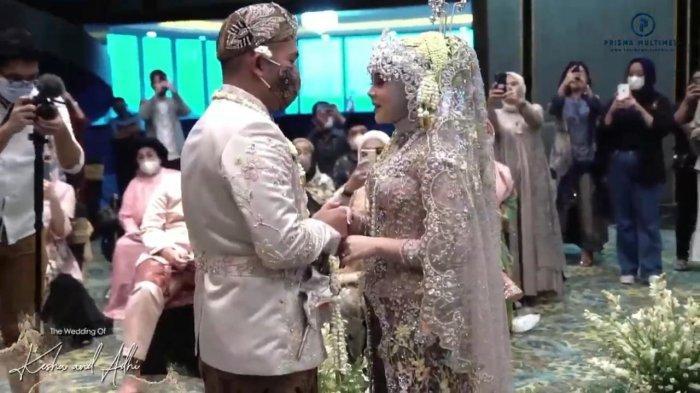angkap layar Kesha Ratuliu saat jalani akad nikah dengan Adhi Permana Putra, Minggu (7/2/2021).