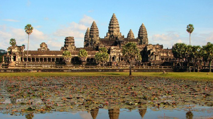 Demi Lindungi Hewan, Turis Dilarang Naik Gajah di Angkor Wat Mulai Tahun 2020