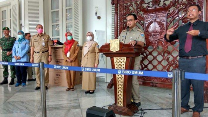 Gubernur DKI Jakarta Anies Baswedan di Balai Kota DKI, Senin (23/3/2020).