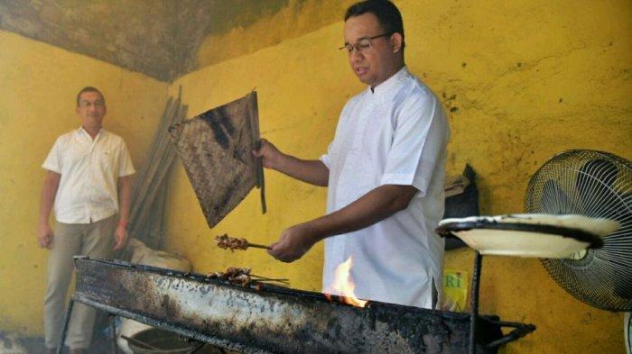 Anies Kipas Sate di Warung Sate Kambing Balibul Tegal