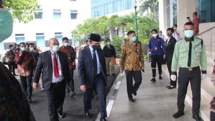 Anies Baswedan Terlihat Memakai Masker Kain Saat Hadiri Paripurna Pemilihan Wagub DKI