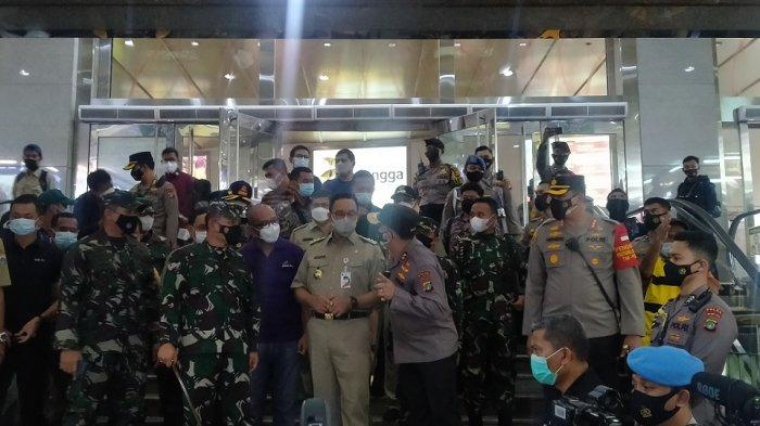 Guna Hindari Kerumunan, Gubernur Anies Minta Masyarakat Tak Hanya Berbelanja di Satu Pasar
