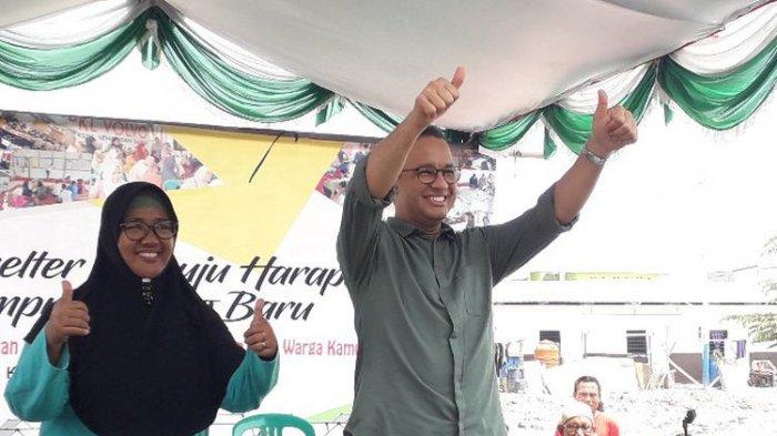 Anies Tersenyum saat Warga Kampung Akuarium Teriak 'Maju Presiden 2019'