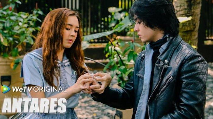 Cuplikan adegan Beby Tsabina dan Angga Yunanda dalam serial Antares yang mulai tayang 30 Juli 2021 di platform WeTV.