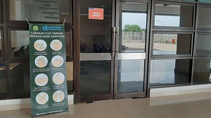 Antisipasi Virus Corona, Berbagai Imbauan Terpampang Diarea Stadion Pakansari
