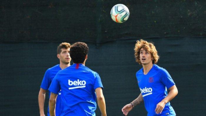 Antoine Griezmann dan kawan-kawan pada sesi latihan Barcelona