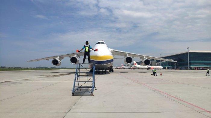 Antonov AN124-100 berhasil mendarat dan lepas landas dengan mulus di Bandara Internasional Yogyakarta atau YIA pada Rabu (10/3/2021)