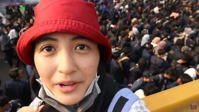 Komika ternama Arafah Rianti ikut demonstrasi