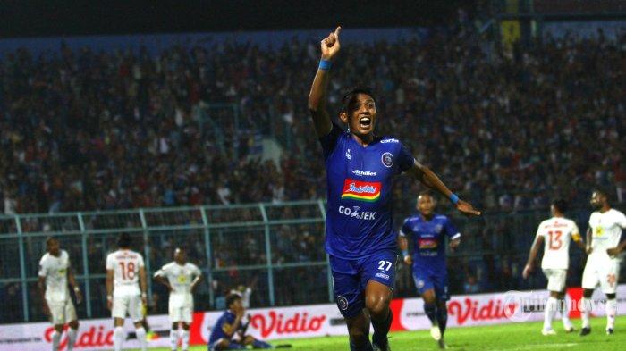 Masalah Arema FC Jelang Kick-off Liga 1 2021 - Adaptasi Fortes hingga Sorotan Pertahanan Singo Edan