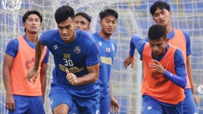 Pemain Arema FC berlatih