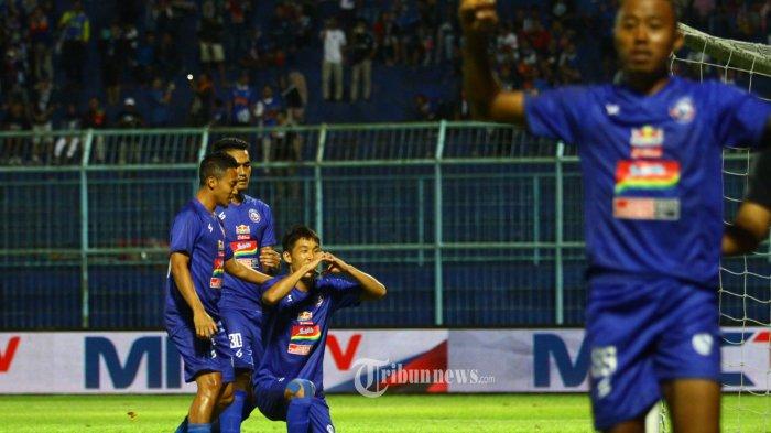 Live Streaming MNC TV Arema FC vs Persela Piala Gubernur Jatim, Kick Off Pukul 18.30 WIB