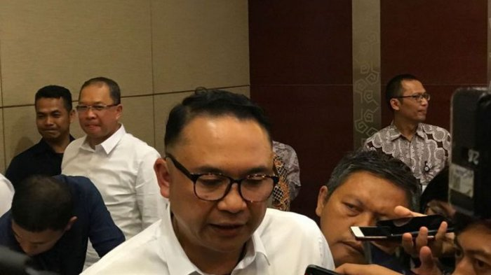 Direktur Utama PT Garuda Indonesia I Gusti Ngurah Askhara Danadiputra