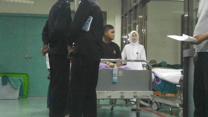 Aria Permana sebelum memasuki ruang operasi plastik di RSHS Bandung, Rabu (24/7/2019). Tribun Jabar/Cipta Permana
