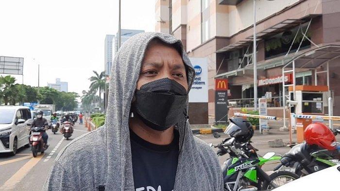 Komika Arie Kriting kembali tuang kritik soal pemilihan Ikon PON XX Papua.