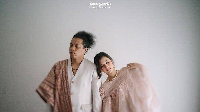 Arie Kriting dan Indah Permatasari menikah tanpa restu orang tua