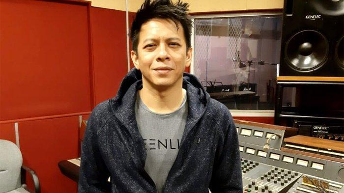 Ariel NOAH saat berbincang eksklusif Warta Kota dan Tribunnews bersama NOAH di Musica Studio di kawasan Perdatam, Pancoran, Jakarta Selatan, Senin (18/11/2019) malam.