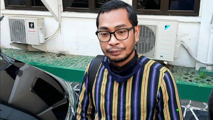 Pengacara Aris Marasabessy ditemui usai sidang kasus wanprestasi antara aktor muda Jefri Nichol (21) dan rumah produksi Falcon Pictures