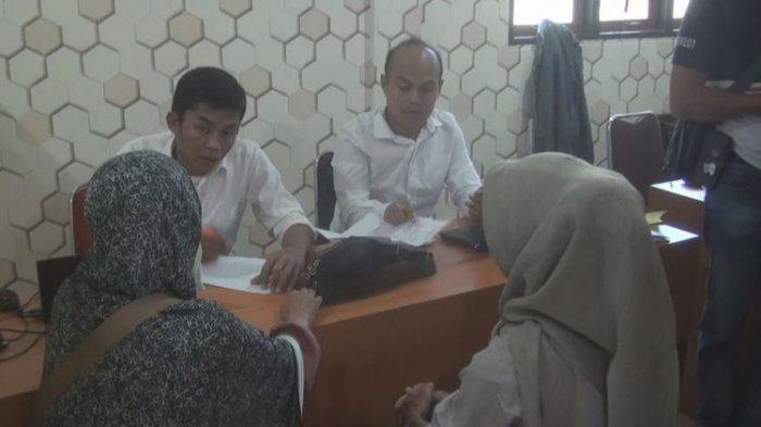 Arisan Online Bodong Jerat Puluhan Ibu-ibu di Prabumulih