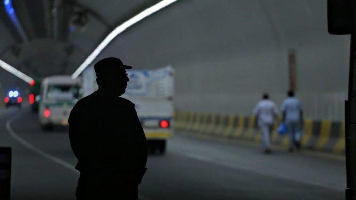 Aparat keamanan Arab Saudi melakukan pengamanan ketat ke semua akses masuk ke Mina, Jumat (9/8/2019). Penjagaan ke Armuzna diperketat jelang wukuf di Arafah besok.